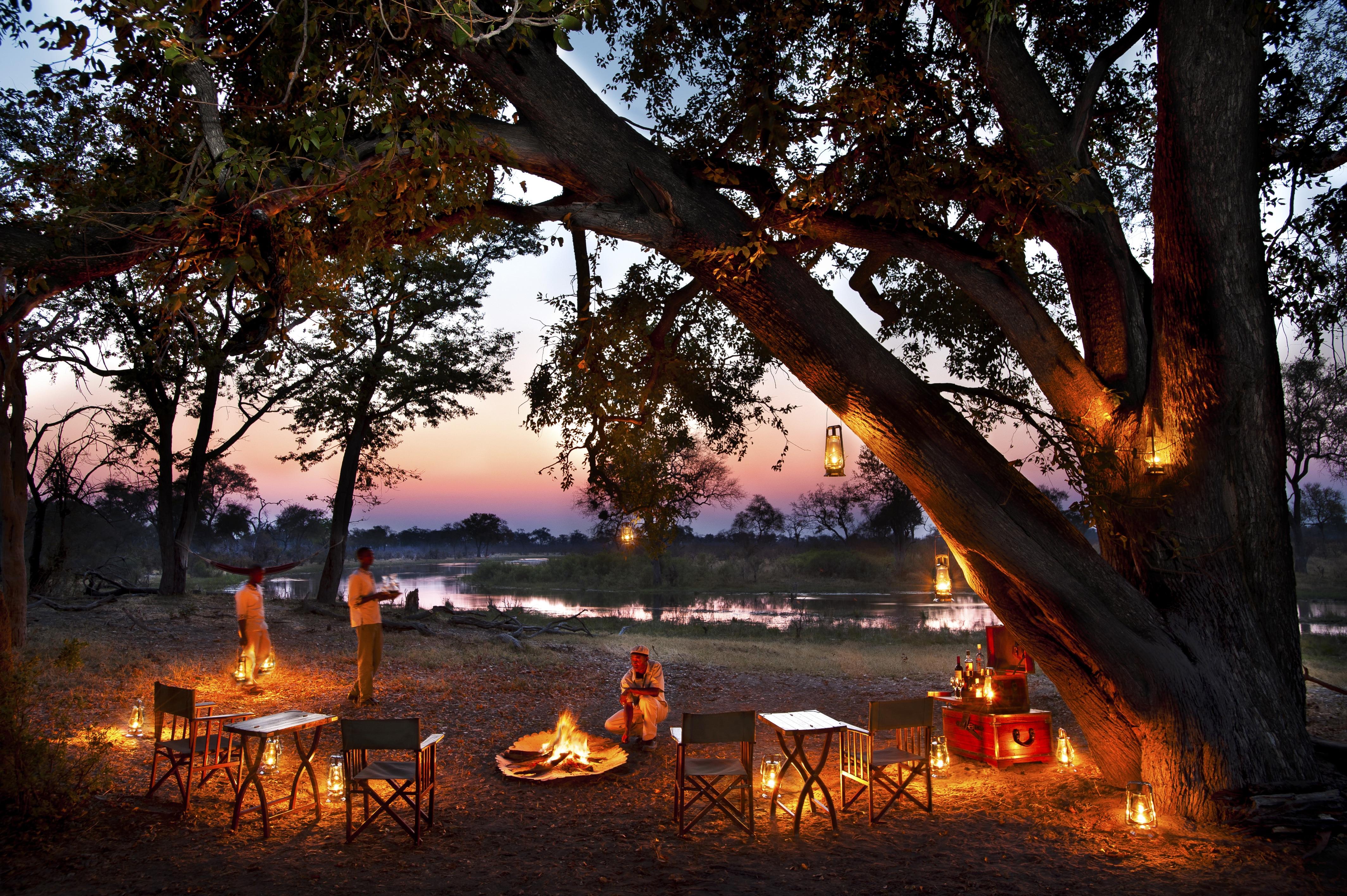 Africa,Botswana,Liyanti,Alojamiento,Selinda Explorer,anochecer,hoguera